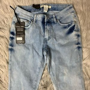 Light Acid Wash Skinny Jeans